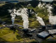 Verdens største fabrik til at trække CO2 ud af atmosfæren er lige startet på Island