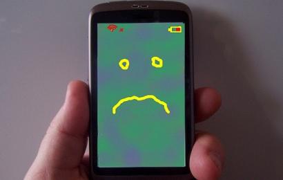 Din smartphone er planlagt til at gå i stykker. EU kæmper nu imod techgiganterne