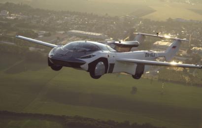 Flyvende bil på første tur mellem lufthavne – forvandles derefter til en sportsvogn på 2 minutter