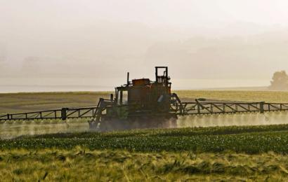Pesticid-branchen har manipuleret politikere og nu har vi måske katastrofen