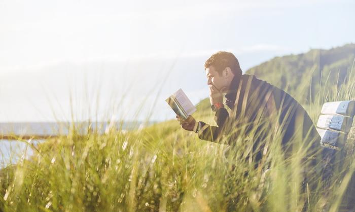 6 bogklassikere til ferien du aldrig glemmer