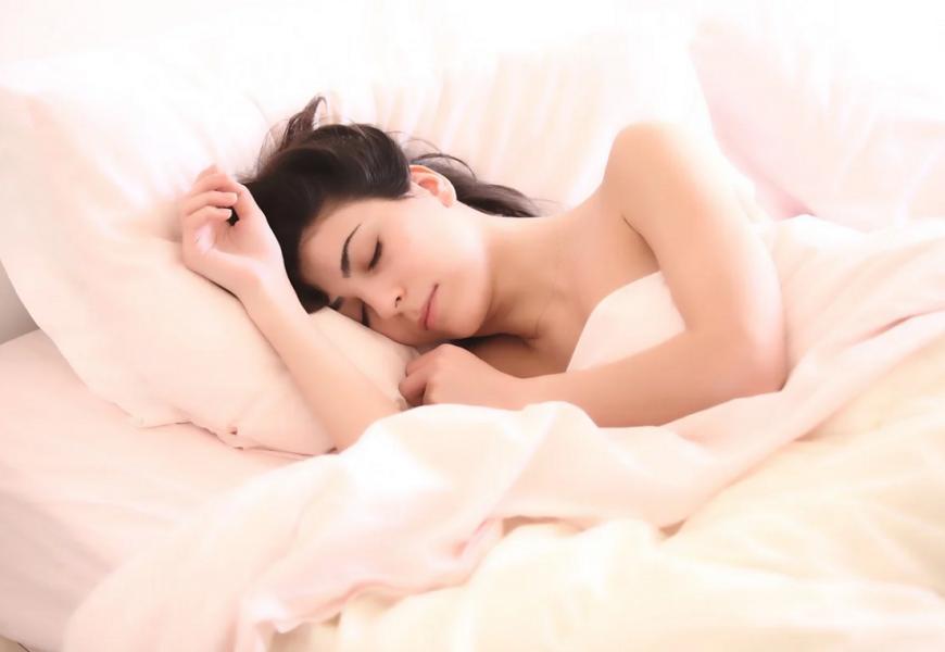 Tung dyne kan bidrage til bedre søvnkvalitet og en god nattesøvn